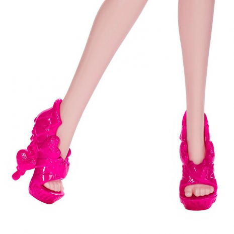Monster high creepateria draculaura feet