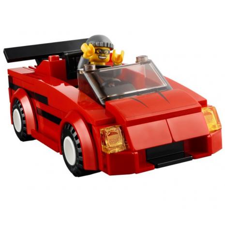 Погоняя за преступниками Лего Город